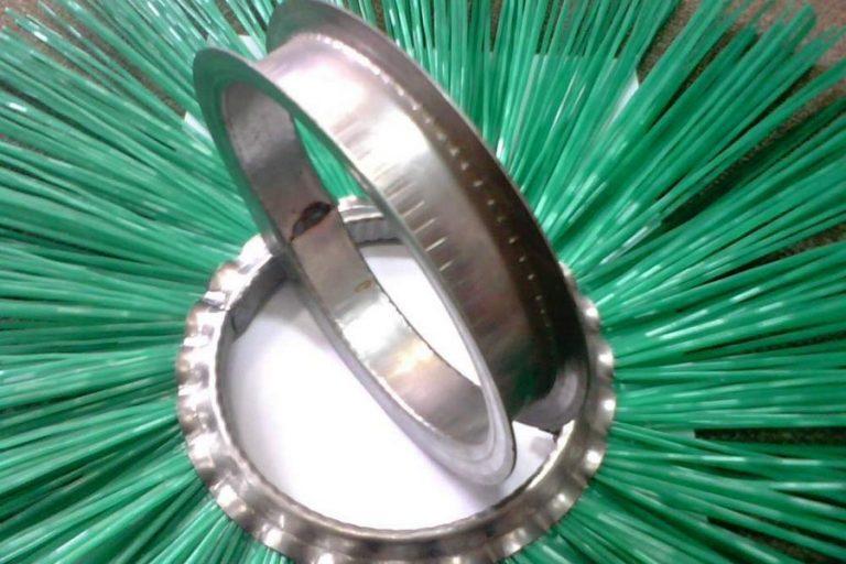 Использование классических щеточных дисков с металлическим кольцом