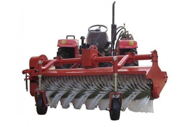 Специфика выбора дорожной щетки к мини-трактору
